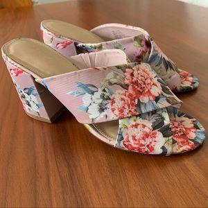 Apt.9 EUC floral block heel slide sandal size 7.5